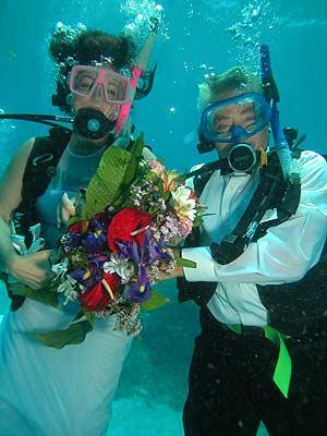 Unterwasserhochzeit - Heiraten auf den Malediven