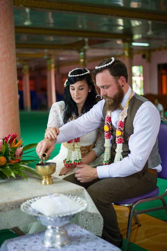 Hochzeit in Thailand im Tempel